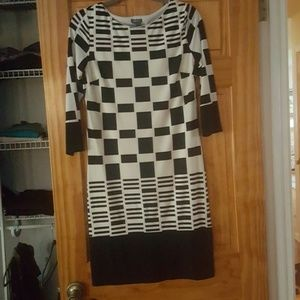 Muse Refined Dresses & Skirts - Black and white dress size 8