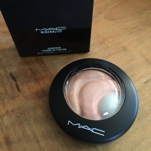 MAC Cosmetics Other - NIB MAC Mineralize Skinfinish powder