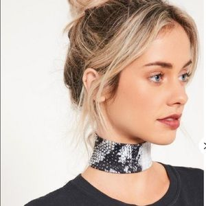 Other - Misguided grey snake print choker necklace