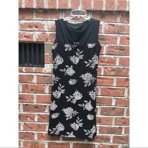 Dresses & Skirts - Sleeveless black dress
