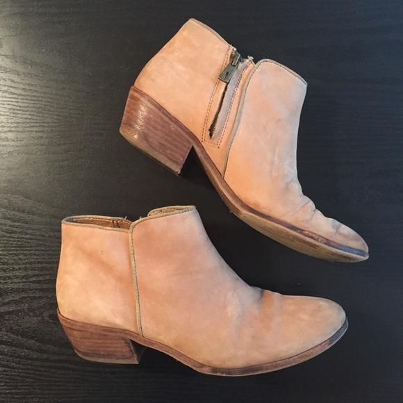 153847bd3022f4 Sam Edelman Petty Ankle Boot Honey Nubuck Leather.  M 59052216ea3f36817107d85b