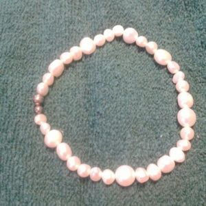 Jewelry - 33 pearls bracelet