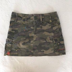Dresses & Skirts - Sz 0 camouflage mini skirt