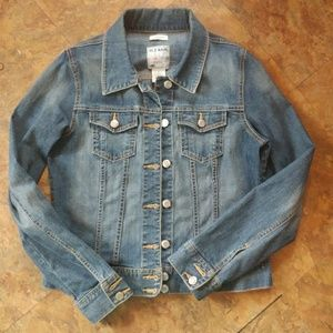 Old Navy Jackets & Blazers - Old Navy medium wash distressed jean jacket