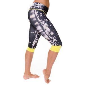Onzie Pants - Onzie spin Capri yellow light bubbles leggings XS