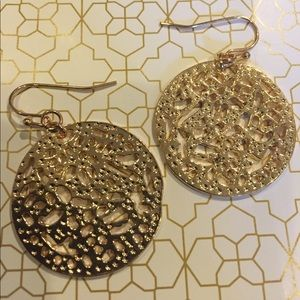 Kendra Scott Jewelry - 🎉Sale🎉 Gold geometric circular earrings