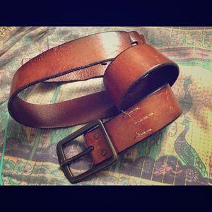 Accessories - ✨ Vintage leather belt ✨