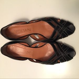 Hand Made in Italy -black leather sandals