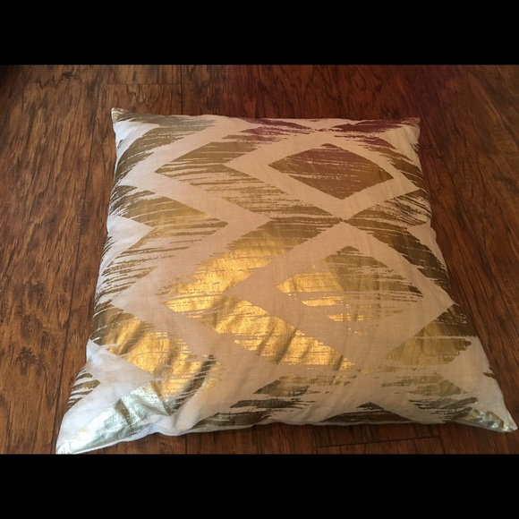 Decorative Pillows At West Elm : 78% off west elm Other - 2 for $18- West Elm throw pillows from L s closet on Poshmark
