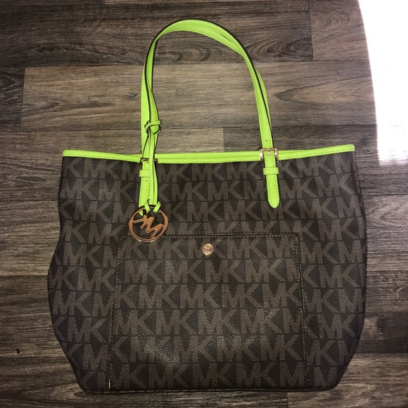 11d9d5baeb14 Gently Used Michael Kors Purses | Stanford Center for Opportunity ...