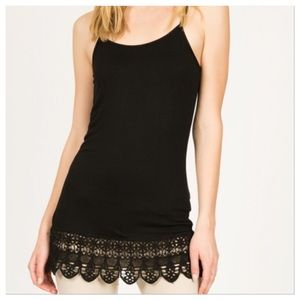 Monoreno Tops - Black cami with crochet lace
