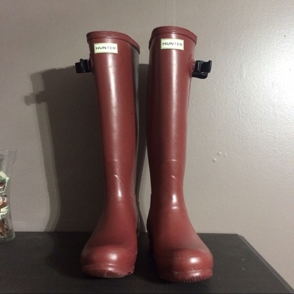 33 off hunter boots shoes brick red women hunter boots