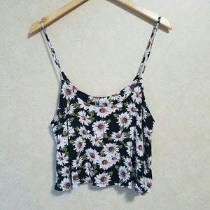 Nollie Tops - Nollie daisy crop top
