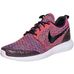 Nike Shoes - Nike Roshe NM Flyknit shoes