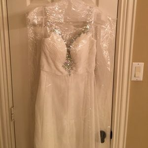 Long white Alyce Paris gown - prom size 2
