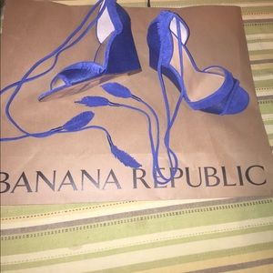 NIB-Stunning royal blue BR sandals