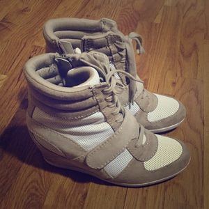 Simply Vera Vera Wang Shoes - Simply Vera wang wedge sneakers size 8.5
