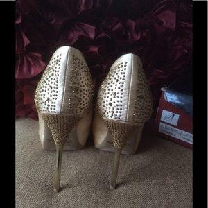 Liliana Shoes - 🌹SALE💎NEW 💎GORGEOUS peep toes...NIB