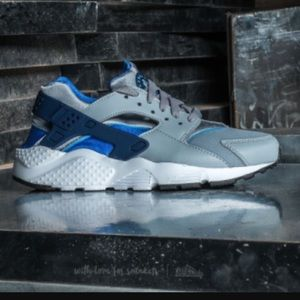 Nike Other - Nike youth huaraches run gray blue sneakers