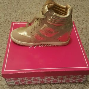 Wanted Shoes - Gold wedge sneakers
