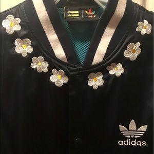 191f959156ff Adidas Jackets   Coats - Adidas PHARRELL WILLIAMS DAISY SOUVENIR ...
