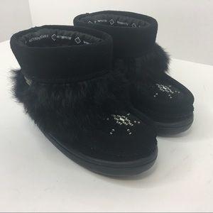 manitobah Other - MANITOBAH black toddler moccasins