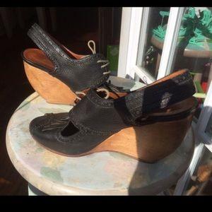 Rachel Comey Shoes - Rachel Comey navy leather lace up wood wedge heels
