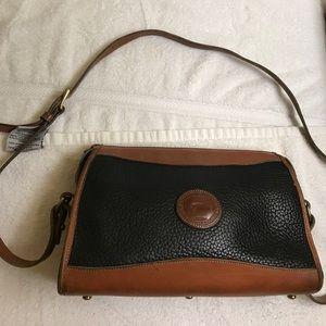 Dooney & Bourke Handbags - Dooney & Bourke crossbody vintage bag