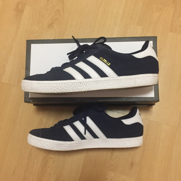 amazon wide varieties new york Adidas Gazelle shoes YOUTH kids 4.5/ US 6-6.5