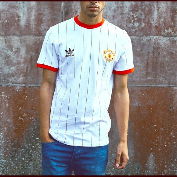 523b1862e NWT ADIDAS ORIGINALS Manchester United Pin Tee