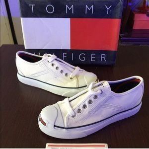 Tommy Hilfiger Shoes - Vintage Tommy Hilfiger tennis shoes
