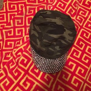 somethingspecial Accessories - Camo hat with rhinestone bill