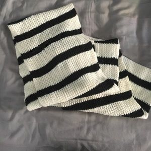 GAP Other - Striped knit scarf