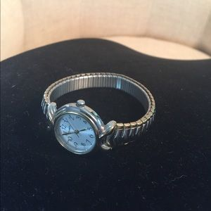 TIMEX Accessories - Women's TIMEX two tone colored watch.