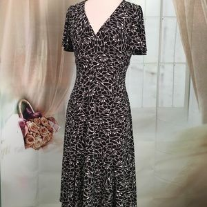 Chaps Dresses & Skirts - Chaps Black & White Floral Short Sleeved Dress