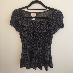 Lord & Taylor Tops - Lord & Taylor xs peplum top!