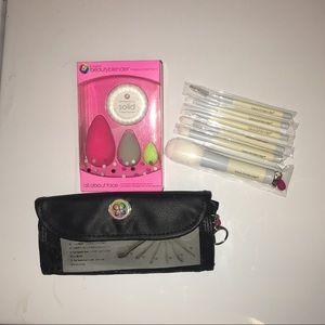 beauty blender  Other - 💜💜 Beauty Blender brushes..!!