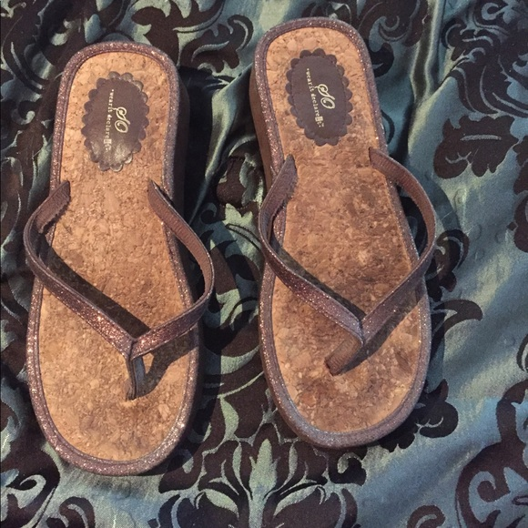 69b9aa48338657 Moving Sale 🌹So wear it declare it flip flops. M 5905f86c36d59465020a3032.  Other Shoes you may like. Tory Burch ...