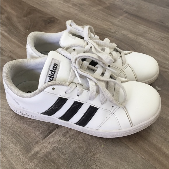 Le Adidas Basale Basale Adidas Della Gioventù Poshmark 95f056