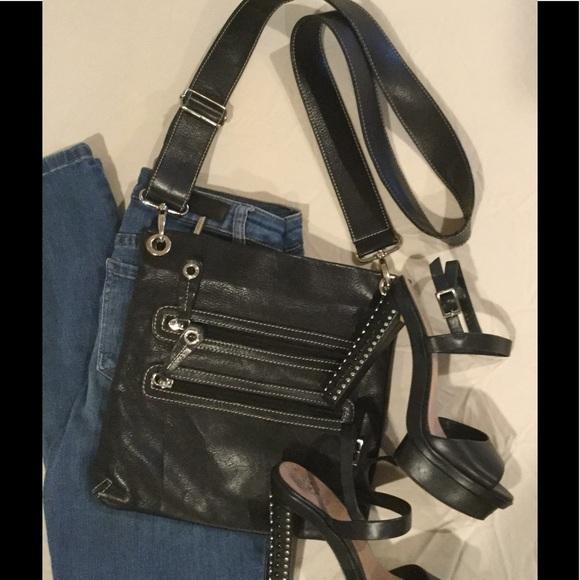 fc92f77c4cec6 AVORIO Handbags - 💋AVORIO Italian Leather Cross body Bag💋