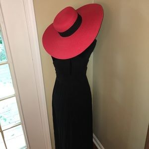 San Diego Hat Company Accessories - Large brim red sun hat with black ribbon🌞👒