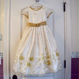 Other - Adorable girls gown