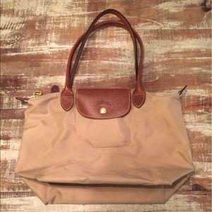 Longchamp Handbags - Longchamp Le Pliage Medium Folding Shoulder Bag