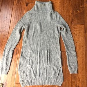 Lou and Grey turtleneck sweater