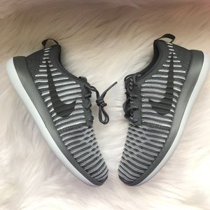 Nike Shoes - Nike Roshe Two Flyknit Sneakers