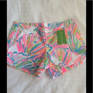 Lilly Pulitzer Pants - NWT Lilly Pulitzer Adie Short in Size 00
