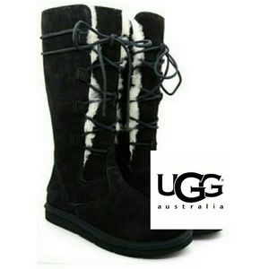 UGG black Whitley lace up boots like new!