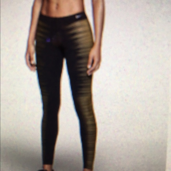 exclusive range detailed look fashion styles Nike Flash Dry Fit Glow In The Dark Leggings