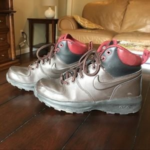 Nike Other - Brown Nike Boots Size 3.5 Boys