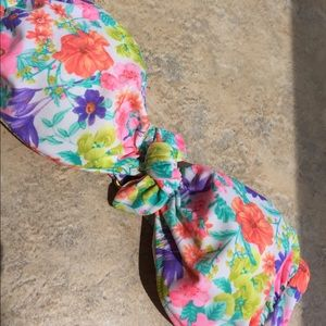 Victoria's Secret L floral 👙 bikini bandeau top